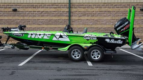 bass cat boat accessories elite anglers show off 2017 boat wraps bass cat wraps