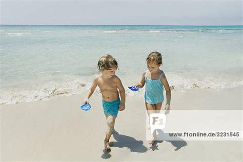 nudisten c pin bilder die jungs am strand on pinterest