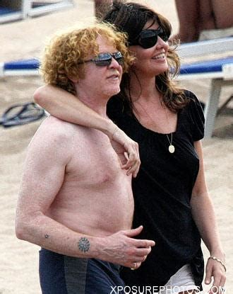 Large Luxury Homes Trunks Too Tight To Mention Holidaying Mick Hucknall In