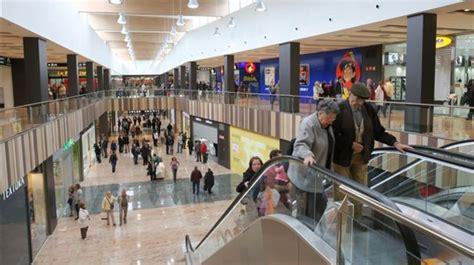 La Jonquera Centre Commercial by 201 Tude De Cas Centre Commercial Grand Jonquera Espagne