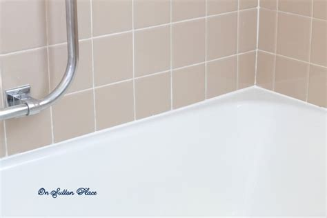 Caulk Bathtub by How To Caulk A Bathtub On Sutton Place