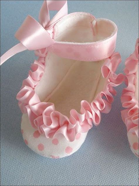 Baby Handmade Gifts - baby shoes with ruffled ribbon handmade gifts for baby s