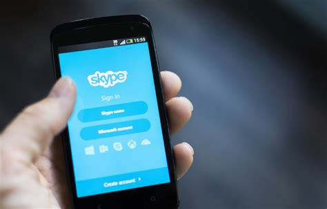 skype on mobile phone greeks can now send money with paypal via skype mobile app