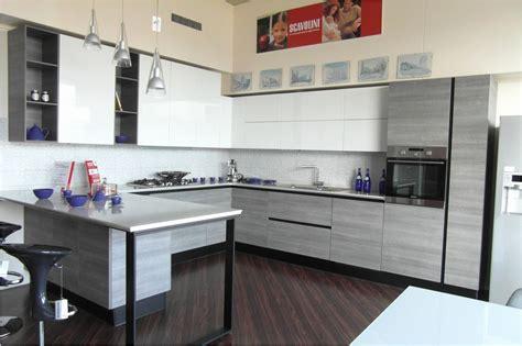 cucine moderne ad angolo prezzi cucine con dispensa ad angolo top cucina leroy merlin
