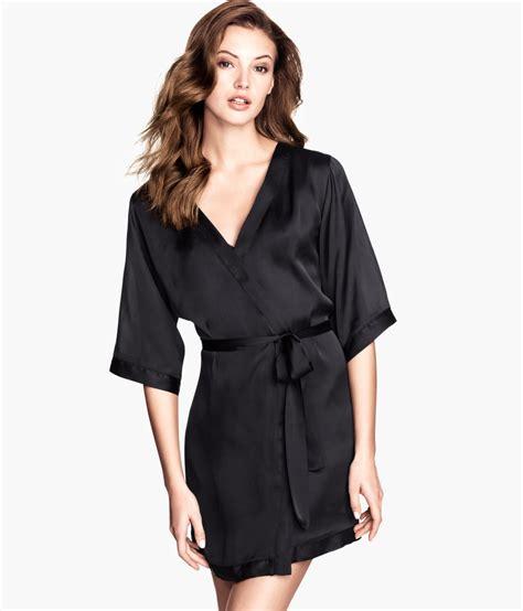 Hitam Black Model Kimono h m satin kimono in black lyst