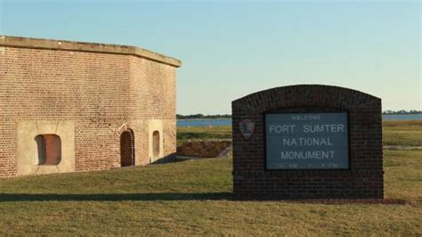 charleston boat tours fort sumter aerial view of fort sumter boat docked picture of fort