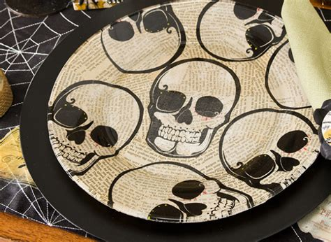 spray paint espaã ol skull dishes