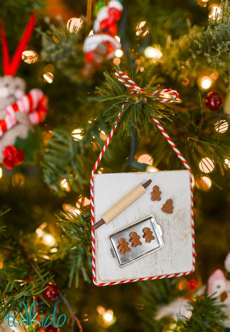 miniature gingerbread baking christmas ornament tutorial