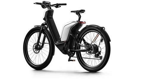 elektrikli bisiklet ve motosiklet duenyasina niu imzali