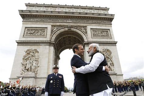 emmanuel macron modi macron and narendra modi stand behind paris agreement