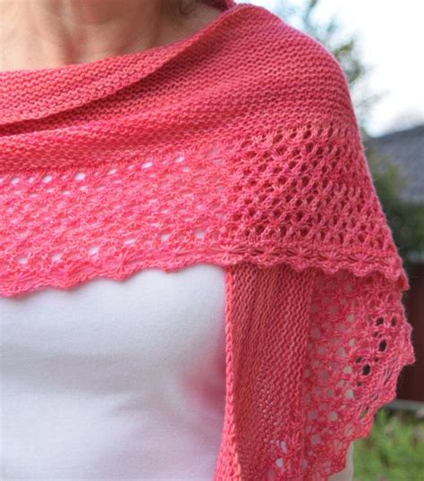 crescent shawl knitting pattern 25 best ideas about crescent shawl on knit