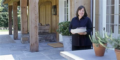 where does ina garten live barefoot contessa barn ina garten htons barn