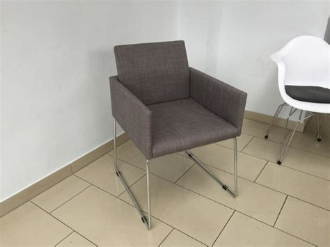 stuhl armlehne grau stuhl grau stuhl mit armlehne gepolstert