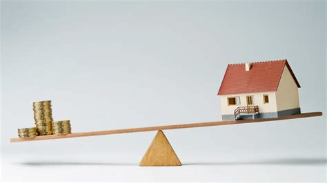 home prices are continuing to fall by how much realtor 174