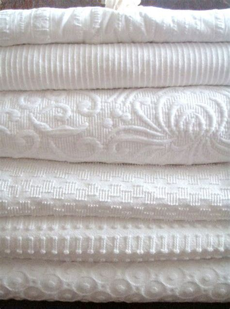 maltese coverlet sets 1000 ideas about white linens on pinterest pool table