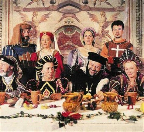 banchetto medievale banchetto medievale a caccamo con cibi e costumi dell