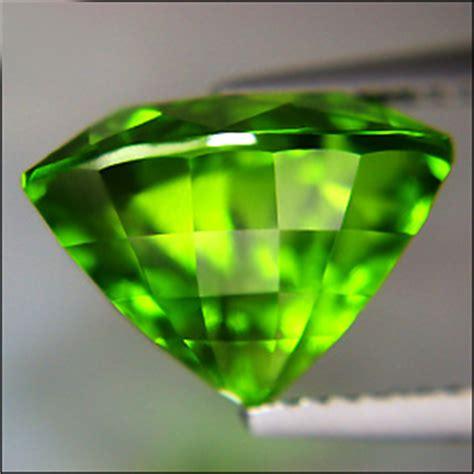 Lime Green Loopy Gravity Element 1 gem resource international gemstone information