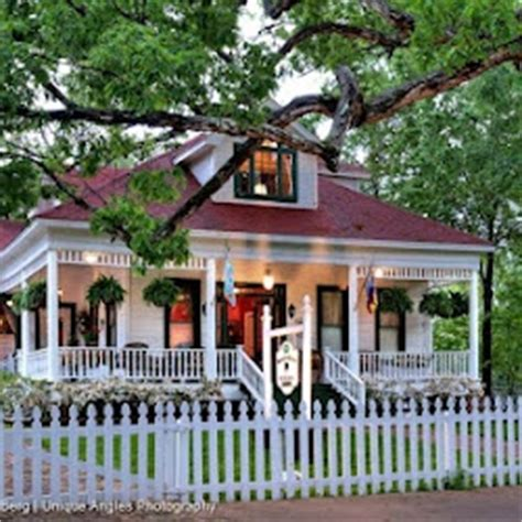 jefferson texas bed and breakfast white oak manor bed and breakfast jefferson texas