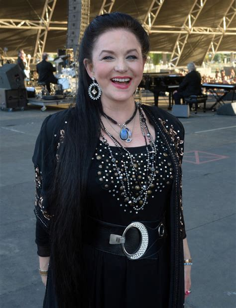 crystal gayle now crystal gayle pictures 2014 stagecoach california s