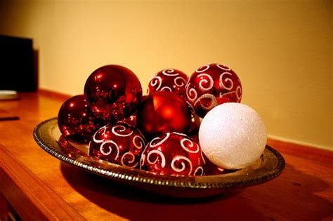 decorate   holiday  cost christmas table