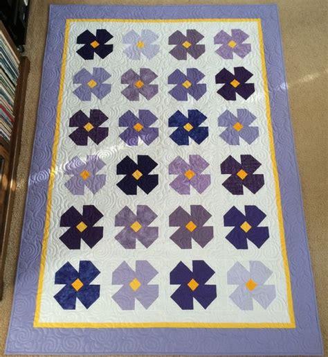 vintage flower pattern quilt 427 best flower blocks images on pinterest flower quilts
