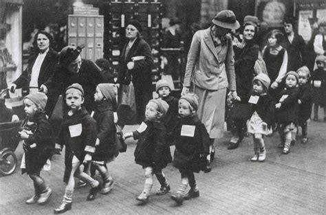 surviving the evacuation book 12 britain s end volume 12 books snapshots of schoolchildren during world war