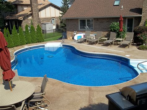 Backyard Pool Design With Mesmerizing Effect For Your Home Backyard Wading Pool