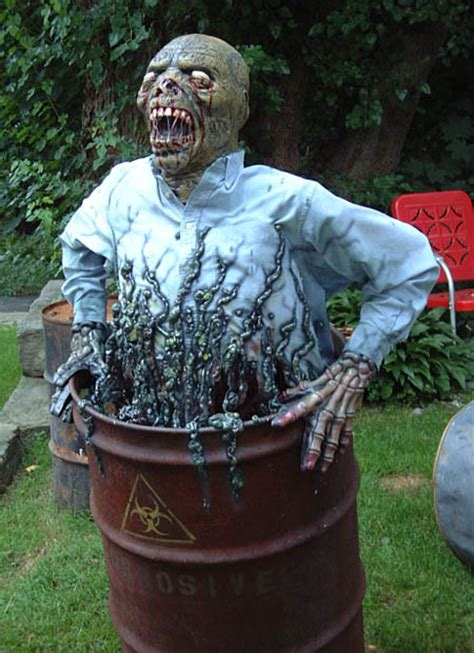 how to make scary halloween decorations at home creepy diy halloween decorations for a spooky halloween
