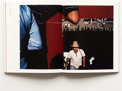 libro alex webb la calle alex webb la calle photographs from mexico to travel is to live