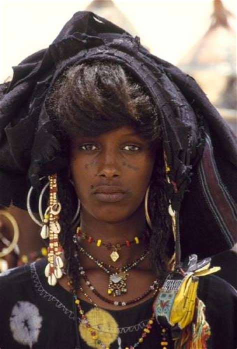 hair plaiting mali and nigeria africa wodaabe woman niger 169 maurice ascani the