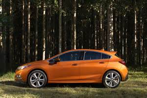 2017 chevrolet cruze hatchback profile woods photos