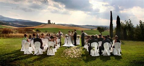 Outdoor Wedding in Italy:civil religious and symbolic ceremonies