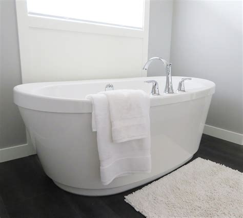 remove stains from bathtub how to remove stains from bathtub homeaholic net