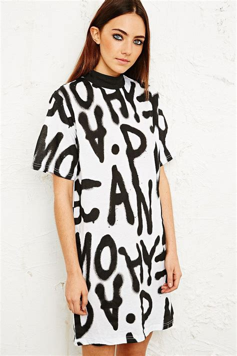 Sprei Mania cheap monday spray mania dress styling