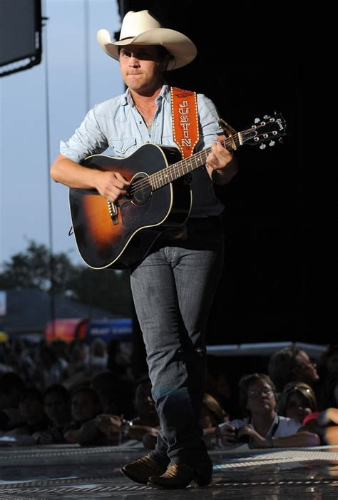 justin moore mp justin moore picture 16 justin moore performs during the