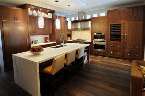 Kitchen Countertop Designs Photos Kitchen With Countertop Design Decobizz