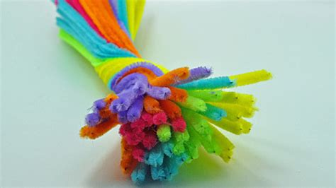 pipe cleaner crafts for 15 easy pipe cleaner crafts that your will