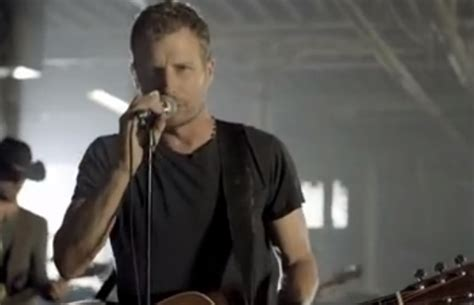 i hold on dierks bentley dierks bentley i hold on wqny qcountry 103 7