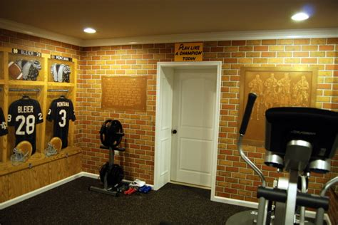 Notre Dame Football Locker Room Mural By Tom Taylor Of Wow Notre Dame Bathroom Accessories