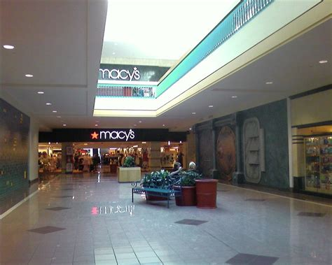 shoppingtown mall dewitt new york labelscar