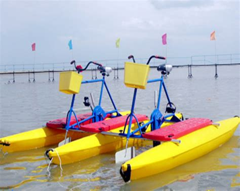 bicycle paddle boat water bikes for sale from professional amusement rides