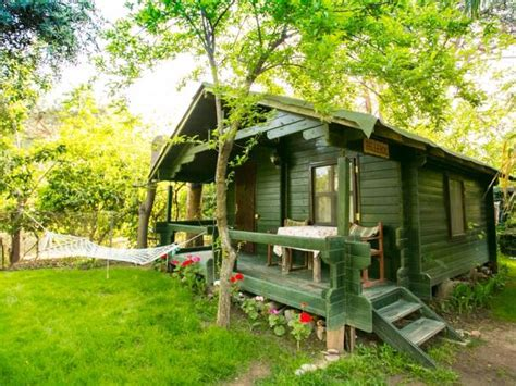 Tree Cabin Holidays by Tree Houses And Cabins Holidays World S Best Responsible