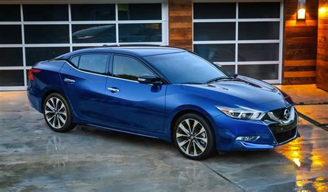 2016 nissan maxima makes its official debut at new york