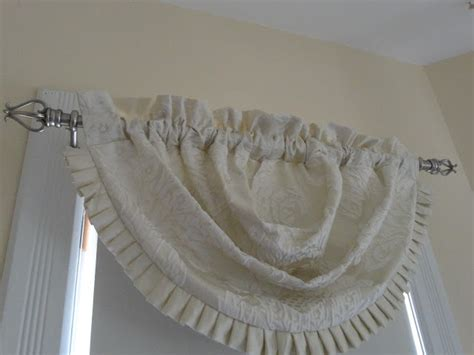 tuesday morning curtains le beau paon victorien new curtain rods and valances for