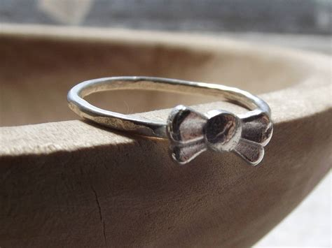 sterling silver bow ring by kemp silver jewellery