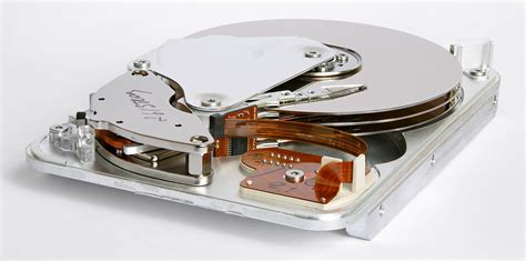 Hardisk Malaysia Internals Of A Seagate 3 5 Quot Hdd Manufactured In Malaysia In 1998 Eric Gaba 3016x1500 X Post