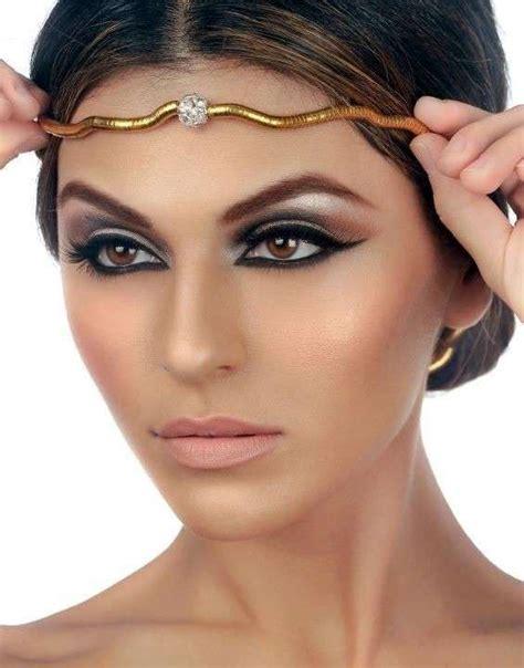 Lipstik Make Di Matahari trucco carnevale da cleopatra foto bellezza