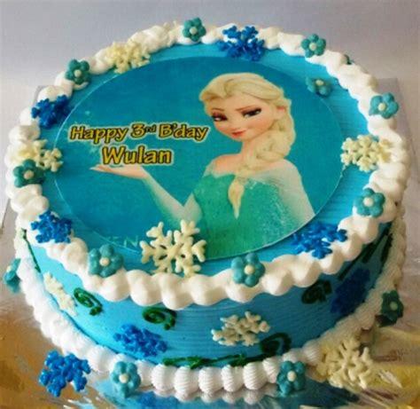 buat kue ulang tahun frozen 11 ide kreasi kue ulang tahun anak perempuan tema frozen