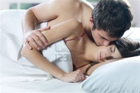 kissing on bed couple love true love wallpapers french kiss