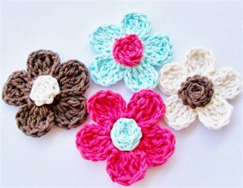 Free Patterns And Instruction On Making Flower Hair Clips | 10 beautiful crochet flowers to make skip to my lou